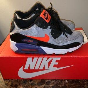 ⚡️Nike Sneakers ⚡️ Size 5.5 in Men's.